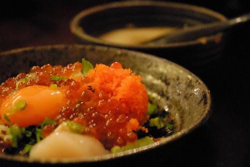 看起來超讚的鮭魚卵蓋飯