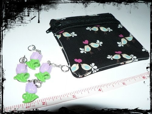 Little notions zipper pouch whit 4 stitch markers