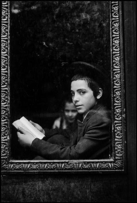 elisebrown:  Leonard Freed USA. New York. 1954. Brooklyn, Jewish Hassidic school.