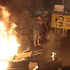 Sem-teto bloqueiam a avenida Francisco Morato em protesto contra reintegração de posse