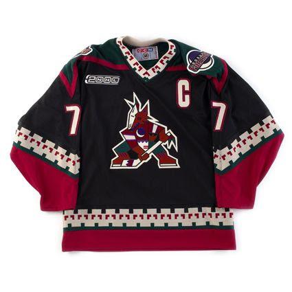 Phoenix Coyotes 1999-00 jersey photo Phoenix Coyotes 99-00 F.jpg