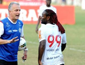 Dorival Junior e Vagner Love no treino do Flamengo (Foto: Alexandre Vidal / Fla Imagem)