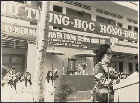 Nu trung hoc Hong Duc truoc 1975 by bienthuy251.