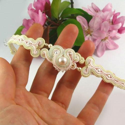 Bransoletka ślubna z perłami