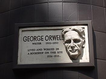 English: George Orwell in Hampstead On the cor...