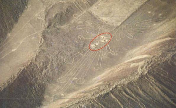 Una vista aérea muestra el daño en las Líneas de Nazca.(Foto: Asociación María Reiche)