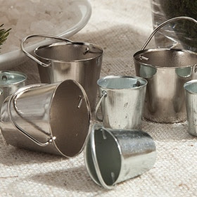 Set de cubos de metal gris