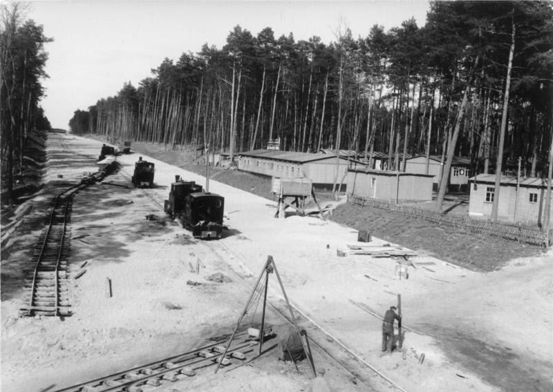 File:Bundesarchiv B 145 Bild-020683, Reichsautobahnbau bei Berlin.jpg