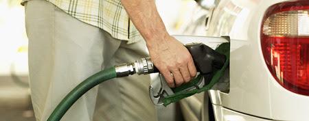 Fuel-economy myths.  (Thinkstock)