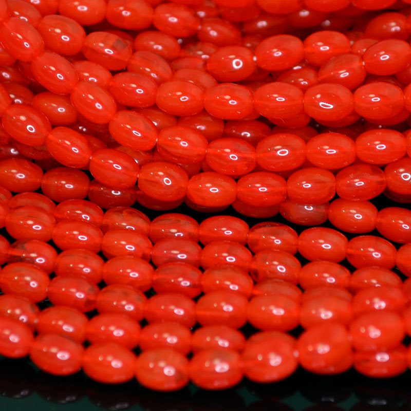 s42037 Glass Beads - 6 x 8 mm Oval (Vintage) - Coral Red Opal (strand 25)