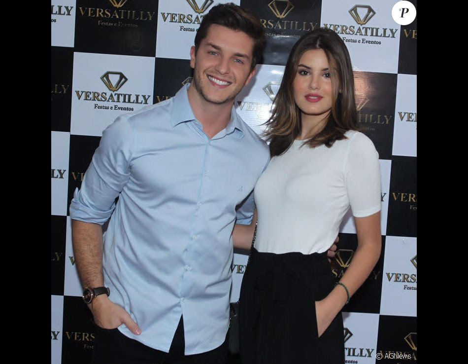 Klebber Toledo e Camila Queiroz vão se casar após o fim da novela 'Pega Pega'