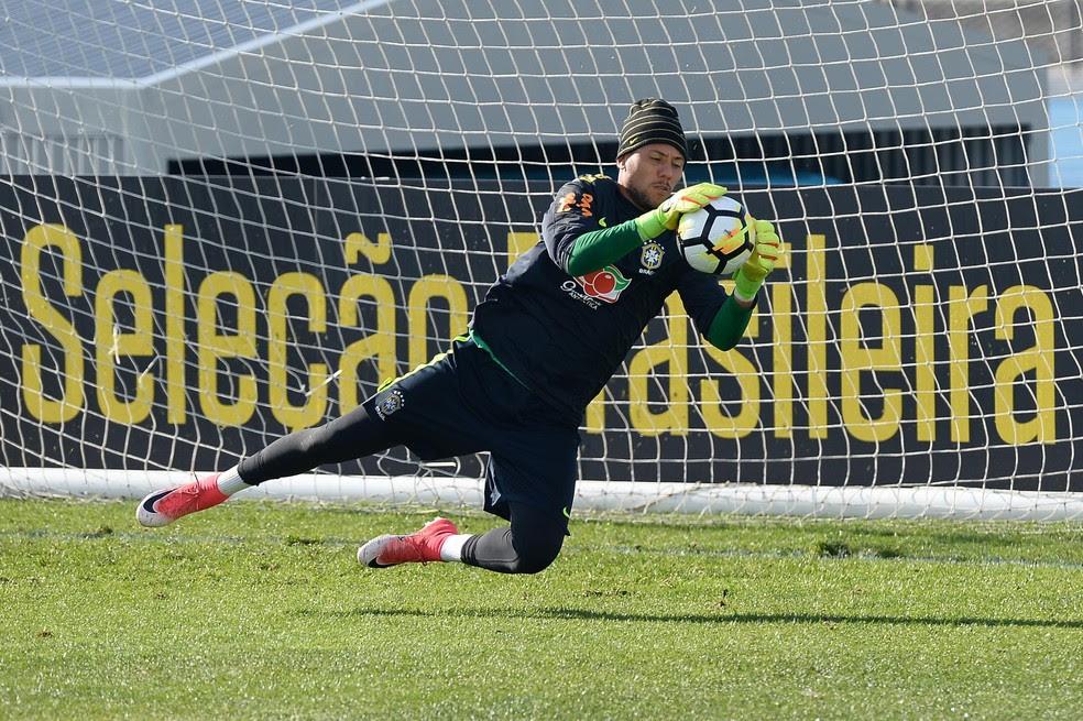 Diego Alves esteve com a seleção brasileira na última convocação de Tite (Foto: Pedro Martins/Mowa Press)