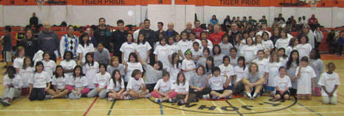 http://www.basketballmanitoba.ca/images/stories/events/TMHS/Fall2010/Girls.jpg