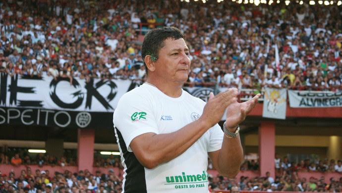 Lúcio Santarém, técnico do São Raimundo (Foto: Marcelo Seabra/O Liberal)