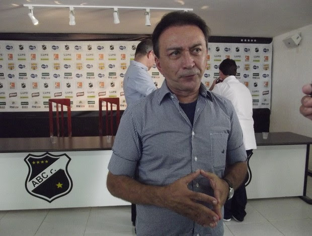 Rubens Guilherme, presidente do ABC (Foto: Augusto Gomes/GLOBOESPORTE.COM)