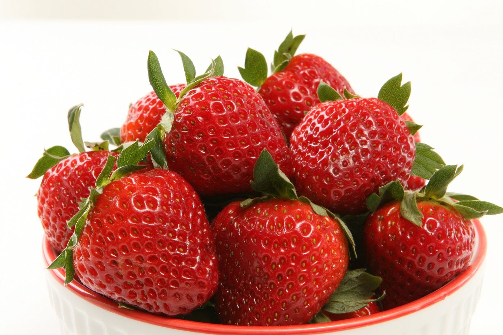 photo strawberries1_zpsgnfvp2ez.jpg