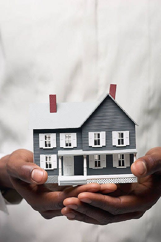 Direito real de habitação assegura moradia vitalícia ao cônjuge ou companheiro sobrevivente.