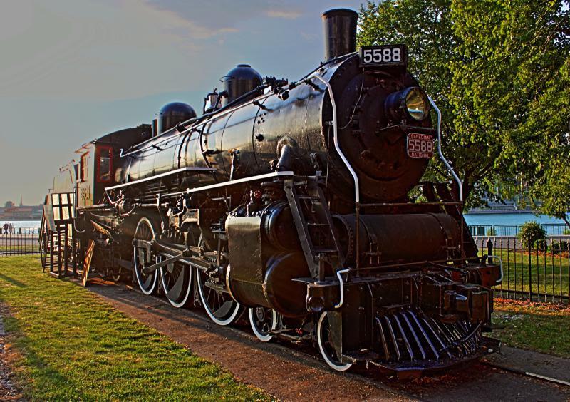 CN 5588 in Windsor Ontario