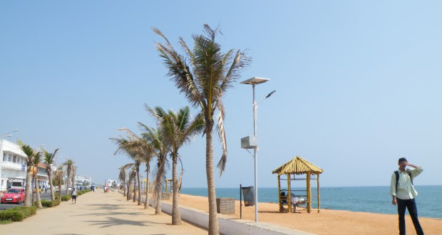 The Promenade in the main town Puducherry is one of the most popular tourist attractions of the Union Territory. (Credit: Wikimedia Commons.)