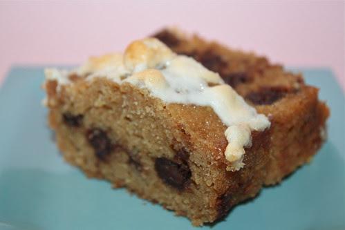 Graham Cracker Snacking Cake