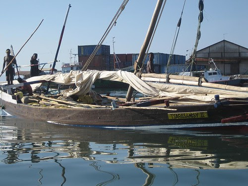 poling dhow