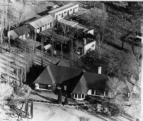 A police photograph of Liliesleaf Farm