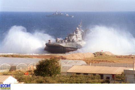 Κι έμεινε ένα Zubr! Τα `κακότυχα` σκάφη από Ρωσία και Ουκρανία που ποτέ δεν έπεισαν