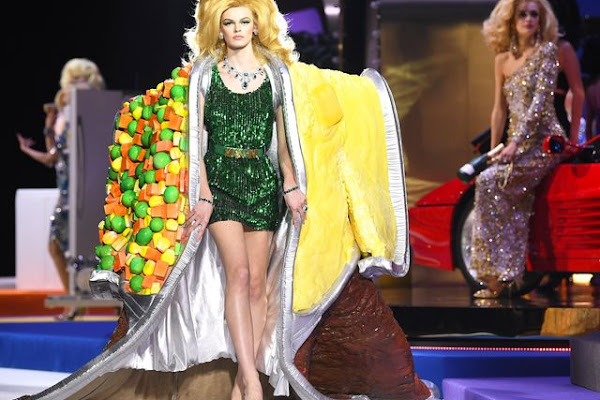 48197a0f88 Milan Fashion Week Moschino Show Recreates 'Price is Right'
