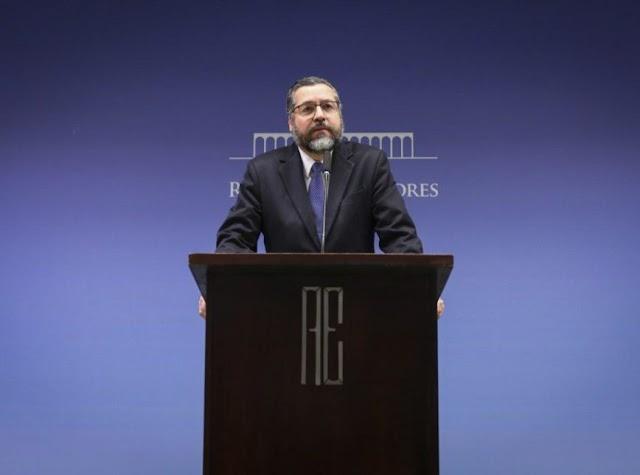 Ernesto Araújo pede demissão do Ministério das Relações Exteriores