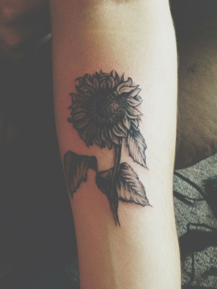 Posted in gallery: Sunflower tattoo.