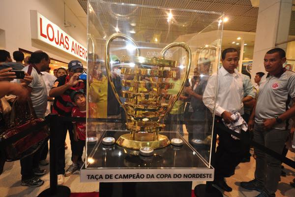 A Taça da Copa do Nordeste visitou todas as sedes da competição. Em Natal, o troféu virou o principal objeto de desejo para as tocidas de ABC e América, que disputam o torneio