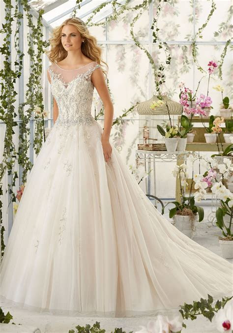 Crystal Beaded Embroidery on Tulle Wedding Dress   Style