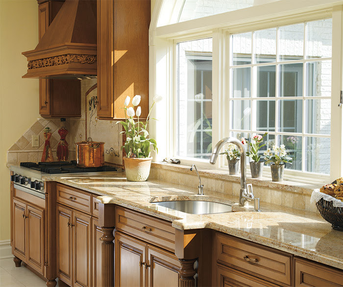 Traditional Kitchen Cabinets - Decora Cabinetry