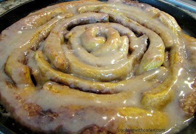 Pumpkin Spice Skillet Cinnamon Roll with Maple Brown Butter Glaze - HMLP 60 Feature