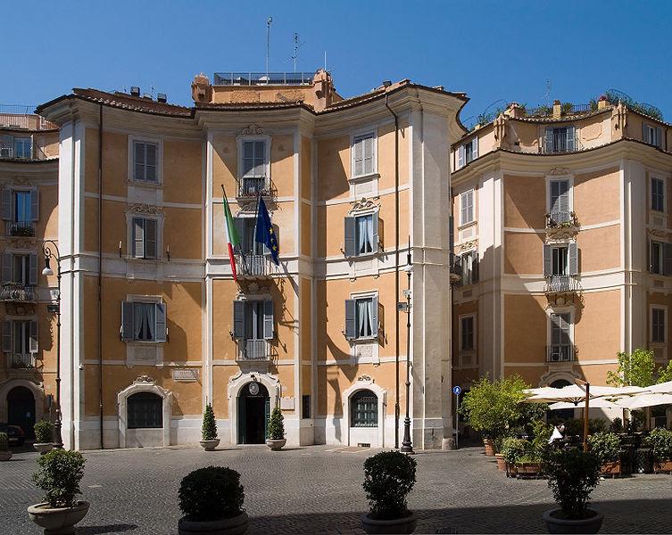 File:Piazza sant Ignazio Rome.jpg