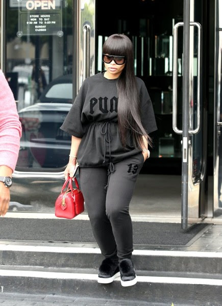 Blac Chyna Stops by Chase Bank in LA