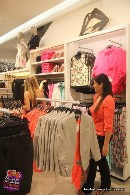 Butik H&M Lot 10