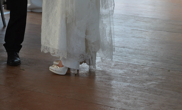 wedding_reception_france_natalia_shoes