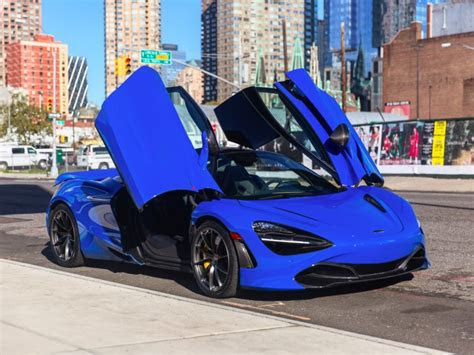 mclaren  supercar review pictures details specs