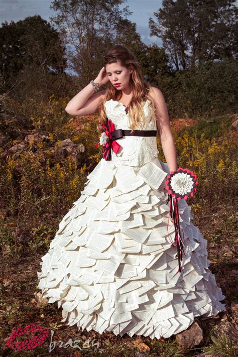 PHOTOS Kailyn Lowry modeling paper wedding dress by Kate