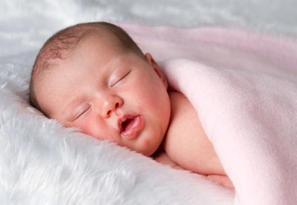 sleeping-baby-pink-blanket