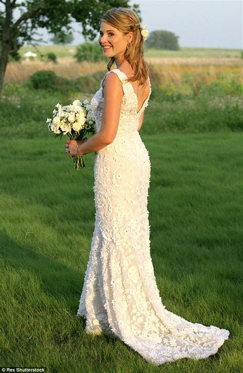 Wedding Dress For 50 Year Old Brides