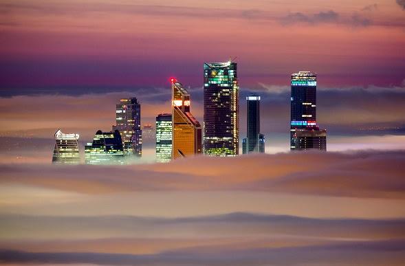 perierga.gr - Ο ορίζοντας της Μόσχας στην ομίχλη!