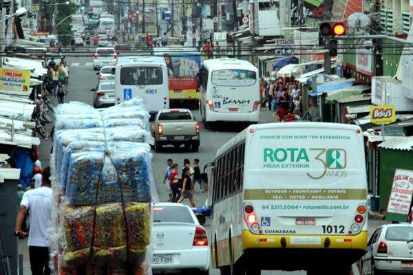 Congestionamentos no bairro do Alecrim são apontados como um dos gargalos no trânsito da cidade