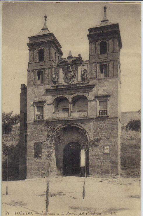 Puerta del Cambrón con árboles recién plantados a comienzos del siglo XX