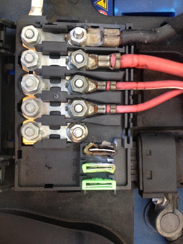 Fuse Box In Audi Tt - Wiring Diagram   Battery Fuse Box On Audi      Wiring Diagram