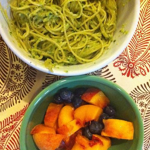 Espegeti Verde w/ Roasted Poblanos and Fruit Salad #wfd