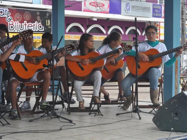 Entidades apresentam projetos desenvolvidos para jovens (Foto: Divulgação/Prefeitura de Itanhaém)