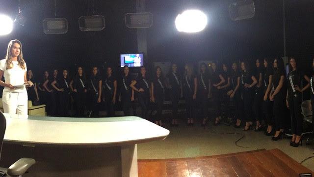 Candidatas acompanharam gravações nos estúdios da TV Mirante (Foto: Maurício Araya/G1)