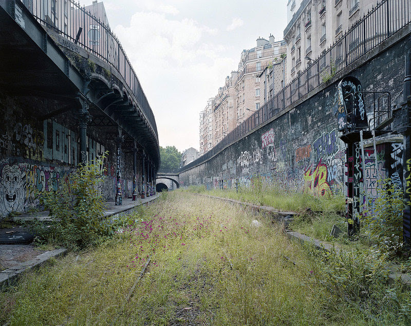 By the Silent Line: Photographer Pierre Folk Spent Years Documenting a Vanishing 160 Year Old Parisian Railway trains Paris history